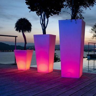 pot lumineux lux et d co nos pots lumineux pour l 39 ext rieur led. Black Bedroom Furniture Sets. Home Design Ideas