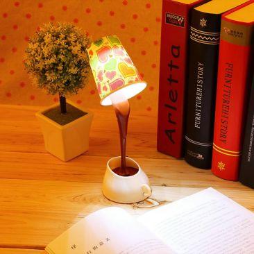 Lampe LED tasse à café éclairée