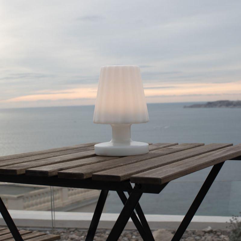 lampe d 39 ext rieur sans fil damen mini lux et d co lampe led sans fil. Black Bedroom Furniture Sets. Home Design Ideas