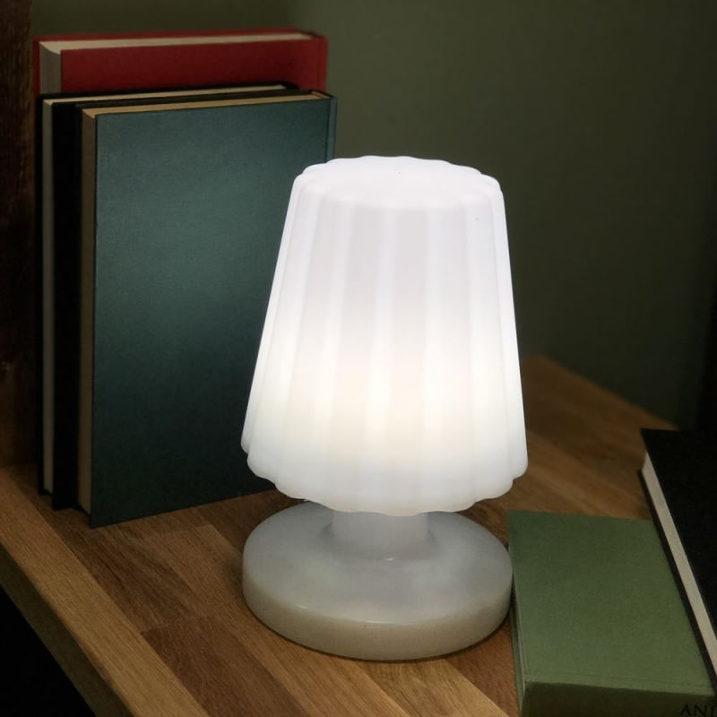 Lampe D Exterieur Sans Fil Damen Mini Lux Et Deco Lampe Led Sans Fil