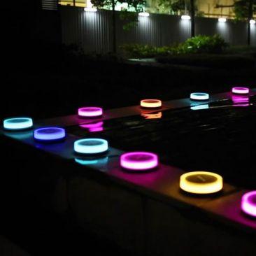 Lampe LED solaire connectée Playbulb Garden