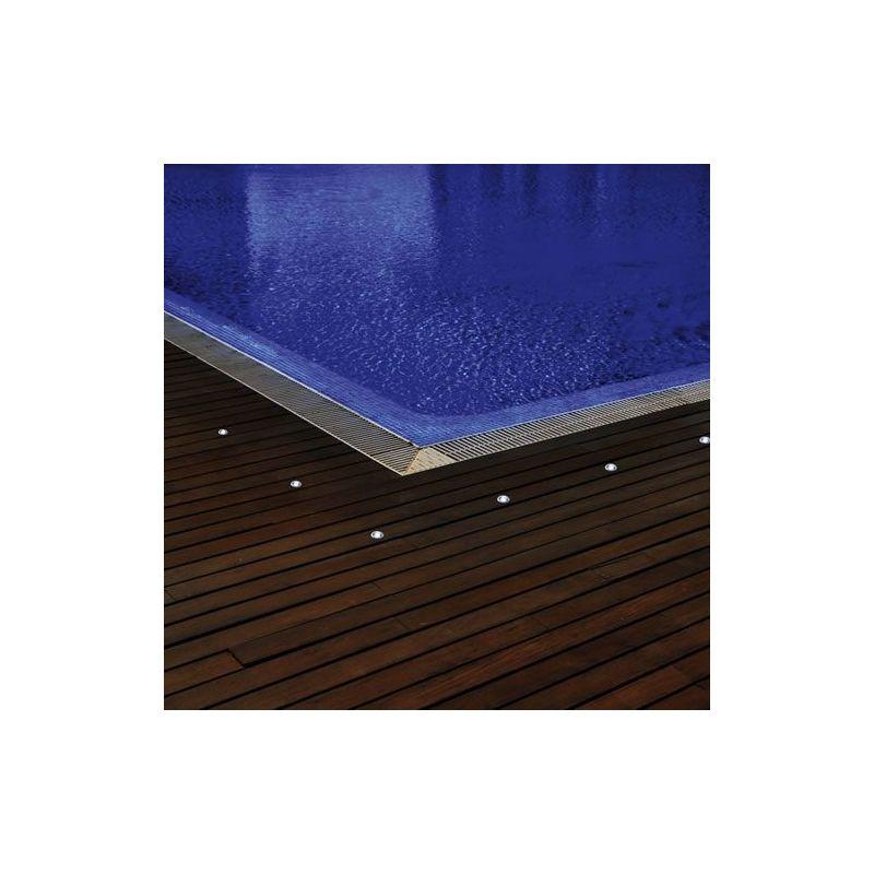 spot led 12v rvb avec t l commande pour abords de piscine lux et d co. Black Bedroom Furniture Sets. Home Design Ideas