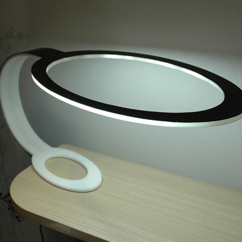 last tweets about lampe led design