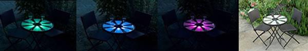 La table bistrot lumineuse et ses 2 chaises