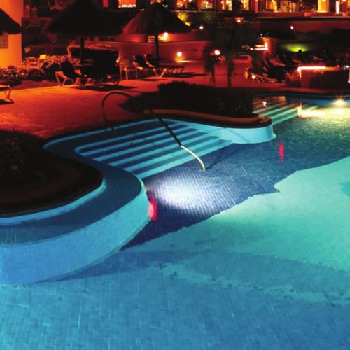 Luminaires extérieurs LED pour la piscine et ses environs