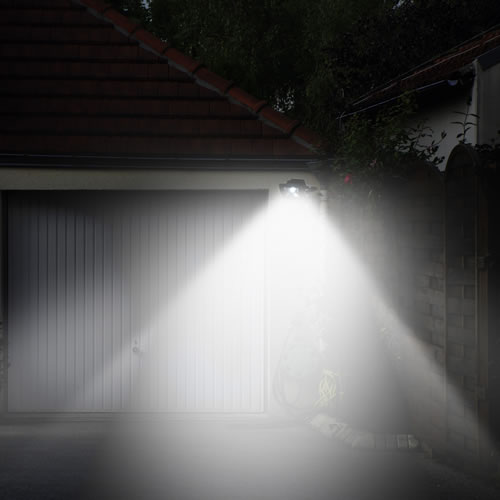 Luminaires ext rieurs led id es et conseils led blog for Luminaire exterieur led avec detecteur