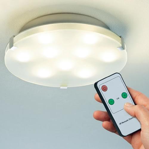 Plafonnier LED Xeta avec télécommande