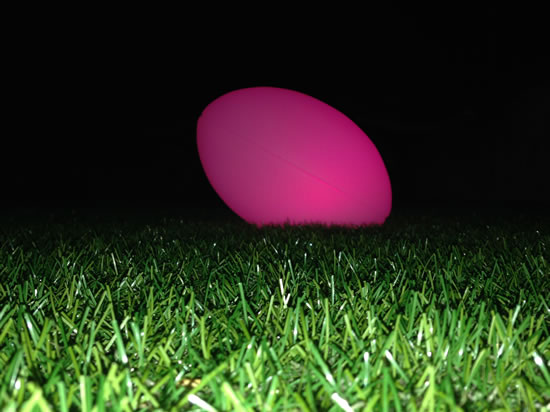 Ballon de rugby LED rose