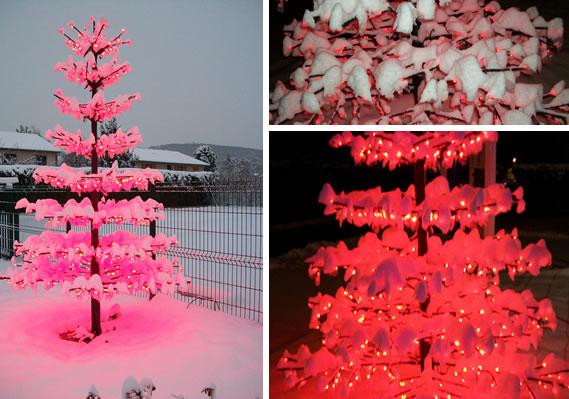 Arbre LED : sapin lumineux en hiver