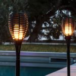 Torche LED solaire, la flamme parfaite