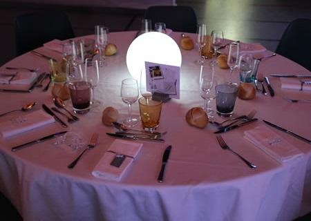Sphère lumineuse en centre de table