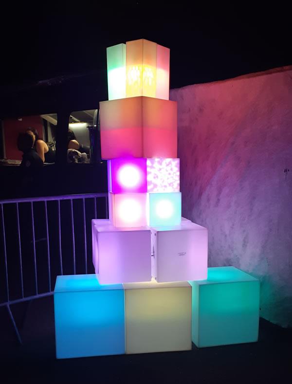 Cubes lumineux avec ampoule disco