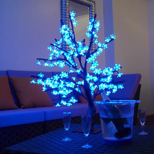 cerisier lumineux a led 80 cm cerisier lumineux led. Black Bedroom Furniture Sets. Home Design Ideas