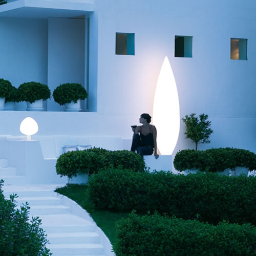 Arbre lumineux tree light cypres en forme d 39 arbre for Arbres lumineux exterieur