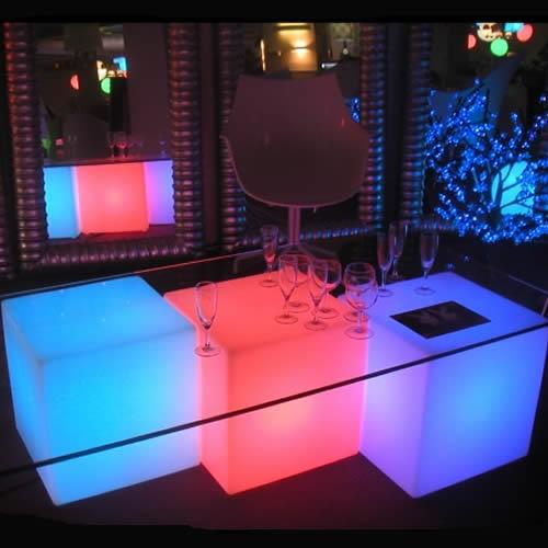 cube lumineux exterieur solaire table de cuisine. Black Bedroom Furniture Sets. Home Design Ideas