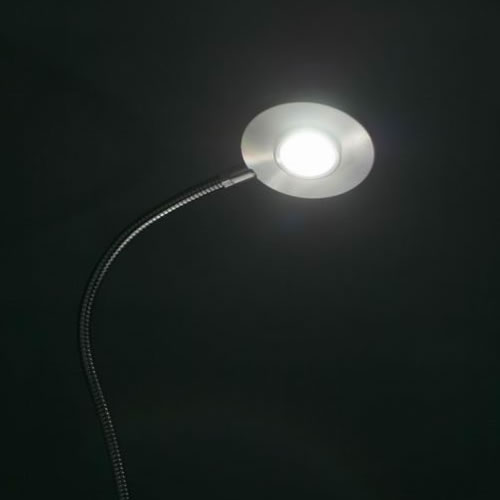 lampe led de bureau stud allumage tactile lampes led de. Black Bedroom Furniture Sets. Home Design Ideas