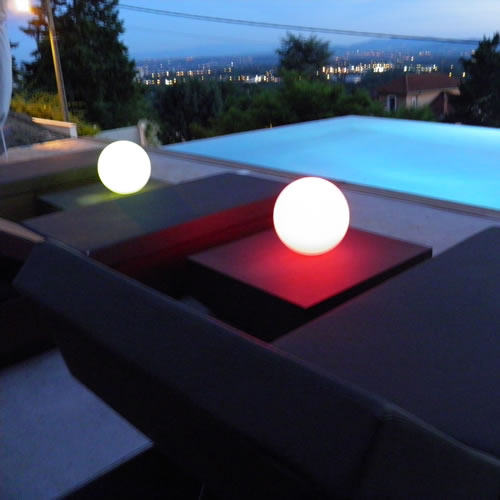 boule lumineuse led patio 20 cm boules lumineuses sans fil. Black Bedroom Furniture Sets. Home Design Ideas