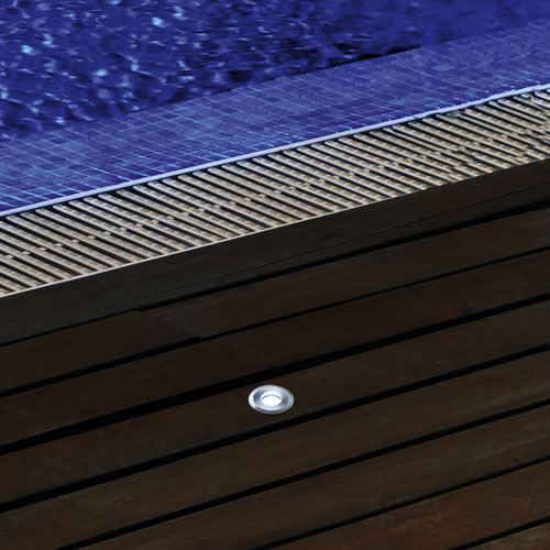 Spot led encastrable 12v pour abords de piscine spot led for Spot de piscine