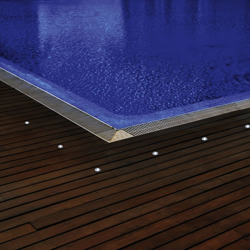 spot led 12v rvb avec telecommande pour abords de piscine spot led piscine. Black Bedroom Furniture Sets. Home Design Ideas