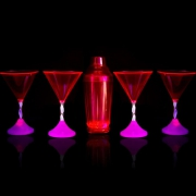 PACK SHAKER LUMINEUX ET SES 4 VERRES A COCKTAIL
